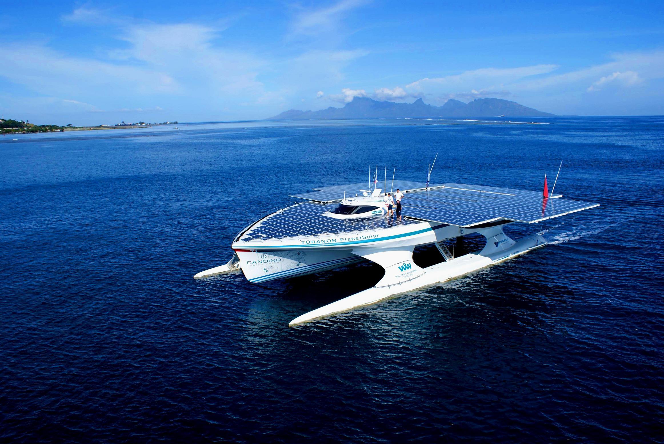 Schemi Elettrici Navi : Top 5 delle barche più singolari! filovent italia noleggio barche