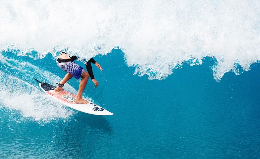 Fotografia di un surfer