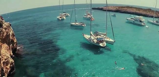 Scena intervista barche al largo